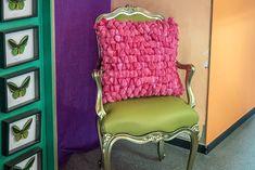 Visiting interior designer Carlo Rampazzi in his atelier #Selvaggio #design #interiordesign #CarloRampazzi Designer, Accent Chairs, Interior Design, Furniture, Home Decor, Atelier, Home Architect, Upholstered Chairs, Nest Design