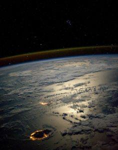 PNG - 810.3ko #lareunion depuis l'espace