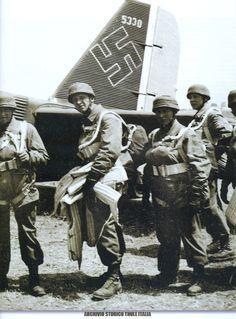 Fallshirmjager operation Mercury 1941 - pin by Paolo Marzioli