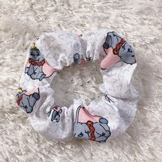 Dumbo Scrunchie - Hair Tie - Cute Hair Accessories - Messy Bun - Fashion - Scrunchies - Disney - Dumbo - Dumbo Scrunchie - Hannah W - Hair Scrunchie Diy Hair Scrunchies, How To Make Scrunchies, How To Make Bows, Disney Outfits, Cute Outfits, Brooklyn And Bailey, Disney Hair, Hair Ties, Diy Hairstyles