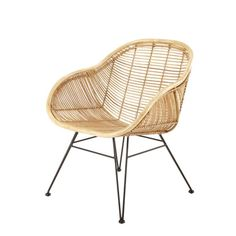 Discover Maisons du Monde's Rattan armchair with black metal legs. Browse a varied range of stylish affordable furniture to add a unique touch to your home.