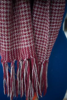 I continue to adore the loom. I wanted to make my wonderful friend Beth a beautiful scarf for the holidays, and decided I needed some practice with weaving colorwork before I broke out the Plucky p…