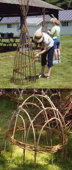 Willow trellis and willow hurdle. Willow trellis and willow hurdle. Potager Garden, Garden Trellis, Garden Crafts, Garden Projects, Willow Garden, Garden Boxes, Garden Structures, Plantation, Garden Planning