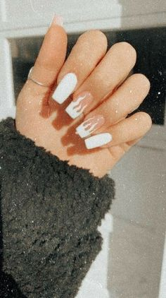 Acrylic Nails Coffin Short, Simple Acrylic Nails, Best Acrylic Nails, Painted Acrylic Nails, White Coffin Nails, Square Acrylic Nails, Edgy Nails, Stylish Nails, Swag Nails