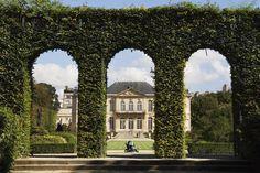 ღღ Grounds of Rodin Museum sculpture garden.  Will Salter Lonely Planet Photographer  © Copyright Lonely Planet Images 2011