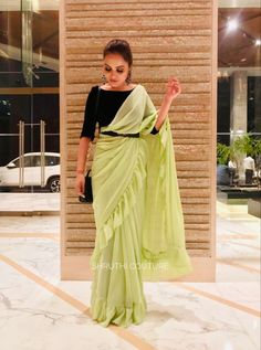 Sabyasachi belt with ruffle saree and velvet blouse Trendy Sarees, Stylish Sarees, Fancy Sarees, Saree Wearing Styles, Saree Styles, Stylish Blouse Design, Fancy Blouse Designs, Saree Blouse Patterns, Saree Blouse Designs