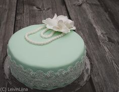 LeivinLiina: Mintunvihreä pitsikakku Wedding Cake Designs, Wedding Cakes, Cake Design Inspiration, Romantic, Desserts, Food, Tailgate Desserts, Deserts, Romantic Things