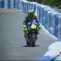 Vr46, Valentino Rossi, Idol, Bucket, Racing, Yellow, Natural, Motorcycles, Running
