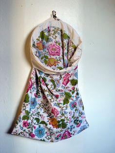 EmmylouBeeDoo!: Pillowcase Hamper - Tutorial