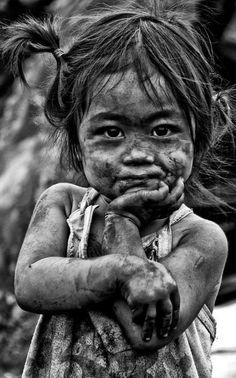 18 ideas beautiful children of the world photographs faces for 2019 Foto Portrait, Portrait Art, Portrait Photography, Funny Photography, Poverty Photography, Photography Magazine, People Photography, Kids Around The World, People Of The World