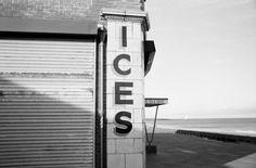 un regard oblique Monochrome Photography, Street Photography, White Photography, Stuart Franklin, Brassai, Photographer Portfolio, Time Magazine, Magnum Photos, Photojournalism