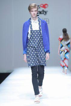 Male Fashion Trends: Shangshou Huatian by Yi Ren Spring-Summer 2017 - Mercedes-Benz Fashion Week China