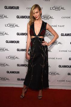 karlie-kloss-black-dress-glamour-women-of-the-year-2014-red-carpet