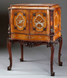 Jewel cabinet (1762) by William Vile made for Queen Charlotte| The Royal Collection