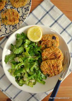 Μπιφτέκια ρεβυθιών - The Veggie Sisters Palak Paneer, Veggies, Vegan, Chicken, Ethnic Recipes, Food, Diy, Vegetable Recipes, Bricolage