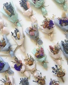 Lembrancinhas com flores secas