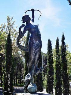"Anna Hyatt Huntington. ""Diana cazadora"". Ciudad Universitaria (Madrid)"