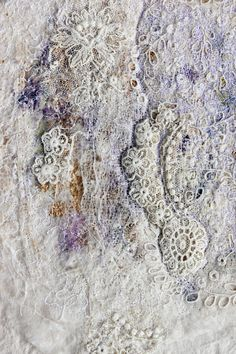 felt and lace Silk and Lace a contemporary approach in Textile Art Textiles Techniques, Techniques Couture, Felt Fabric, Fabric Art, Lace Art, Felt Pictures, Fibre And Fabric, Textile Fiber Art, Lace Silk