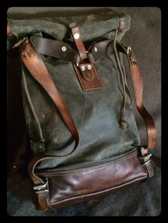 """""""Vintage Swiss Army Canvas and Leather Roll-top Rucksack Leather Roll, Leather Craft, Leather Men, Thick Leather, Backpack Bags, Leather Backpack, Canvas Backpack, Mode Man, Der Gentleman"""