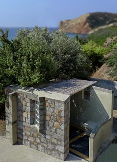 Outdoors bathroom and meditation space in summer residence, in the Mediterranean island of Milos, 2010 (Grecce).
