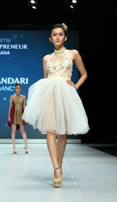 IFW 2013 # 219 Ayu Dyah Andari – Aura of Elegancy Girls Dresses, Flower Girl Dresses, Formal Dresses, Wedding Dresses, Indonesia Fashion Week, Muslim Fashion, Beautiful, Dresses Of Girls, Dresses For Formal
