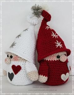 Skapa och Inreda: Pattern in English, Danish or Dutch.Gnome of Christmas - Amigurumi CuritibaCreate and Decorate: Activated Tomtenisse with KnorrCreate and decoration: Crochet elf with a twistSwedish pattern on the nose with knorr Crochet Christmas Decorations, Crochet Ornaments, Christmas Crochet Patterns, Holiday Crochet, Christmas Knitting, Crochet Patterns Amigurumi, Crochet Dolls, Knitting Patterns, Cute Crochet