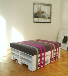 Pallet Ottoman by BCK by re-Design, via Flickr