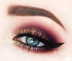 This is one of my most loved eyelooks I posted on Instagram! I got so many questions to do a tutorial on this look, so here it is. I think this glamorous e