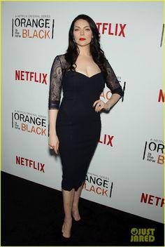 Laura Prepon at Orange is the New Black Season 2 premiere. Looks like Morticia Addams. Love it!