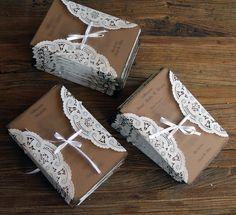 inspirasjon bryllupsinvitasjoner - Google-søk Gift Wrapping, Inspiration, Tableware, Gifts, Google, Wedding Ideas, Weddings, Garden, Gift Wrapping Paper