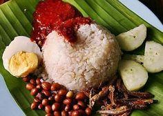 Nasi Lemak/coconut rice, Malaysian food signature.