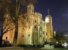 The White Tower at dusk. Photo credit: Jonathan Foyle, built.org.uk