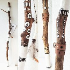 Handmade creations inspired by nature Painted Driftwood, Driftwood Crafts, Spirit Sticks, Diy And Crafts, Arts And Crafts, Stick Art, Creation Deco, Painted Sticks, Nature Crafts