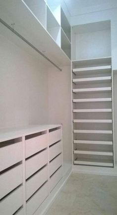 Bedroom wardrobe small master closet ideas for 2019 Walk In Closet Design, Bedroom Closet Design, Master Bedroom Closet, Closet Designs, Bedroom Small, Tall Shelves, Wall Hanging Shelves, Hanging Drawers, Small Master Closet