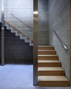 Kavouri Residences by Kokkinou-Kourkoulas Architects (2006), #Athens #Greece ... Area: 1600 sqm. George Fakaros