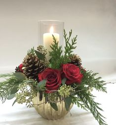 Candle Arrangements, Christmas Flower Arrangements, Christmas Flowers, Christmas Wreaths, Christmas Crafts, Art Floral Noel, Christmas Floral Designs, Arreglos Ikebana, Orquideas Cymbidium