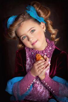 Beautiful Children, Beautiful People, Cute Kids, Cute Babies, Little Girl Photography, Little Girl Models, Prom Dress Stores, Cute Woman, Portrait