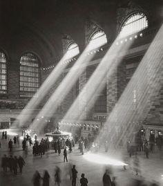 1930: La estación Grand Central fue abierta en 1871, y reconstruida 2 veces: en 1913 y entre 1994 y el 2000