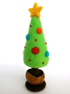 Christmas Tree Needle Felted Table décor - by CreativeAtelierBg