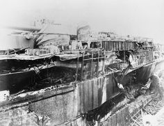 USS Oklahoma showing damage from 6 torpedo hits. She suffered 9 hits in total. Naval History, Us History, Military History, Pearl Harbor 1941, Pearl Harbor Day, Pearl Harbour Attack, Uss Oklahoma, Day Of Infamy, Remember Pearl Harbor