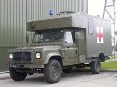 Army - Land Rover Battlefield Ambulance. Rescue Vehicles, Army Vehicles, Armored Vehicles, Automobile, Adventure Campers, Military Armor, Land Rover Defender 110, Farm Trucks, Mercedes G