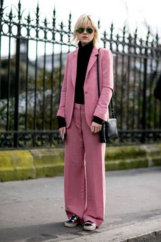 Le tailleur rose