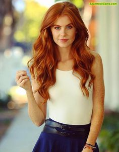 Just another guy who happens to be completely obsessed with freckles and redhead girls. Stunning Redhead, Beautiful Red Hair, Gorgeous Redhead, Beautiful Freckles, Gorgeous Girl, Red Heads Women, Freckles Girl, Red Hair Woman, Divas
