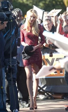 Candice Swanepoel stops by the 'Extra' set on December 9, 2013.