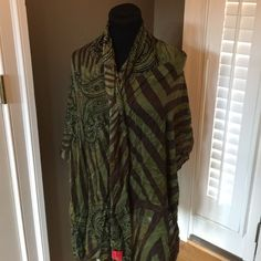 """TED BY SAKS FIFTH AVENUE SHAWL WRAP SCARF Gorgeous paisley print shawl has @1"""" hole with pull dies not affect beauty of scarf Saks Accessories Scarves & Wraps"""