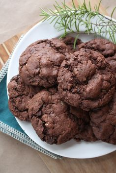 Perfectly chewy, these may just be the best cookies I've EVER made: Dark Chocolate Rosemary Cookies. Did I mention they're completely #vegan & #glutenfree? Yup. Get these in your belly!--> http://www.fettlevegan.com/4/post/2013/11/dark-chocolate-rosemary-cookies.html