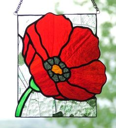 Beautiful red poppy by Ladybug Stained Glass Stained Glass Suncatchers, Stained Glass Crafts, Stained Glass Designs, Stained Glass Patterns, Mosaic Patterns, Stained Glass Quilt, Stained Glass Flowers, Stained Glass Panels, Mosaic Art