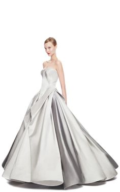 This is actually stunning...it would be beautiful for the Oscars...if I had a reason to go to the Oscars :)