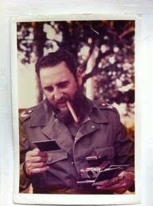 A few days ago, I posted this awesome photo of Fidel Castro con Polaroid, asking if anyone could identify it. (Eelco Wolf, a former Polaroid executive, has been trying to ID the source. Fidel Castro, Animation Photo, Fred Ward, Martin Luther Jr, Our Man In Havana, Ernesto Che Guevara, Viva Cuba, World Icon, Cuban Cigars
