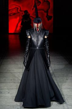 Gareth Pugh is always on point! He is a cross between Margiela and McQueen the avant garde, theatric king of our generation. thestyleweaver.com  Fall 2015 Ready-to-Wear